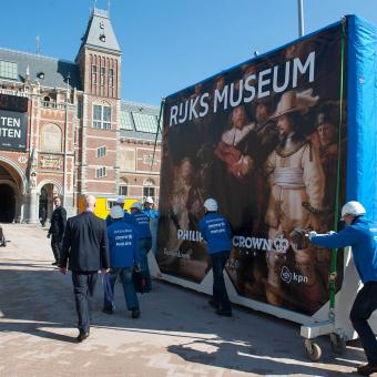 Transporting The Night Watch to the Philips Wing in the Rijksmuseum
