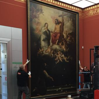 Our fine art experts securing Murillo's masterpiece